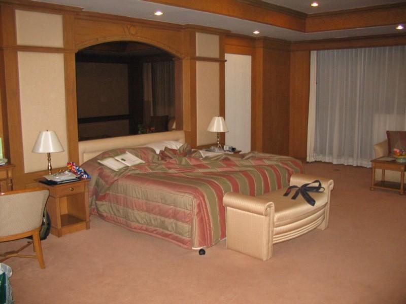 im lande buddhas. Black Bedroom Furniture Sets. Home Design Ideas